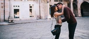 Att dejta en kort tjej: 10 saker du borde veta